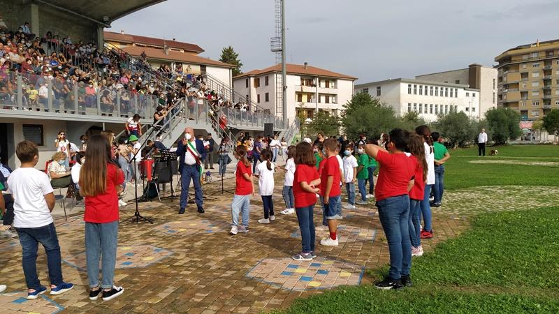 Festa della Scuola - Ragazzi che scendono nel parco