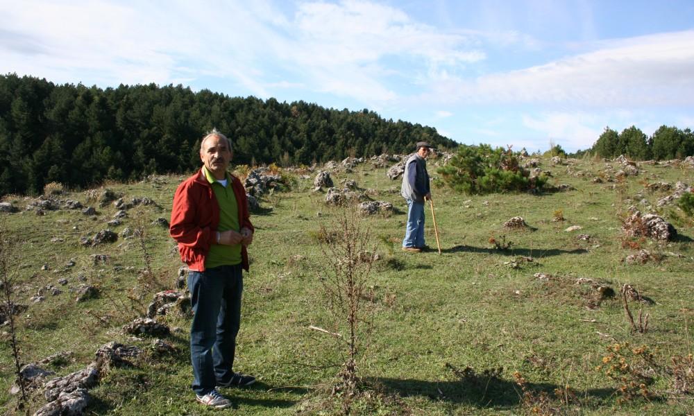 Mario Cuzzetto In Montagna Con Un Amico