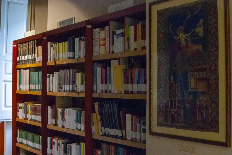 Casa Libro Antico Parete