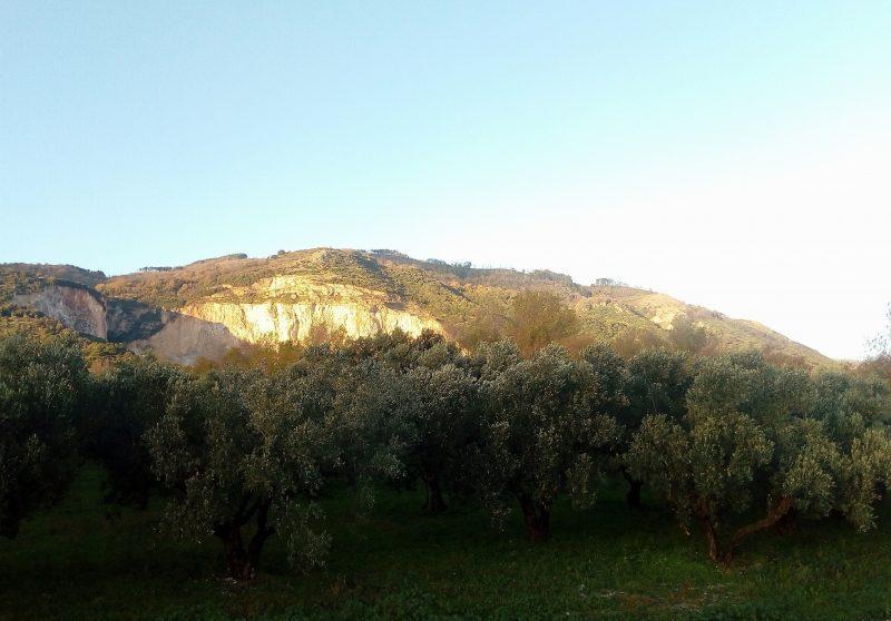 Grotta-monte