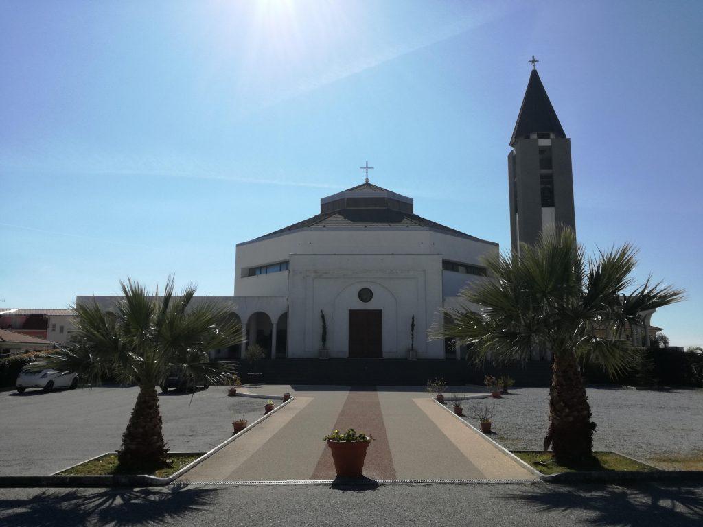 Quartiere Savutano La Chiesa Di Santa Maria-Goretti