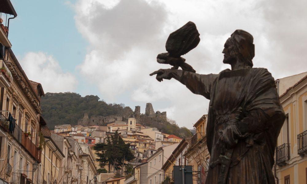 Ingrid E Gerlando - statua di Federico Ii Di Svevia