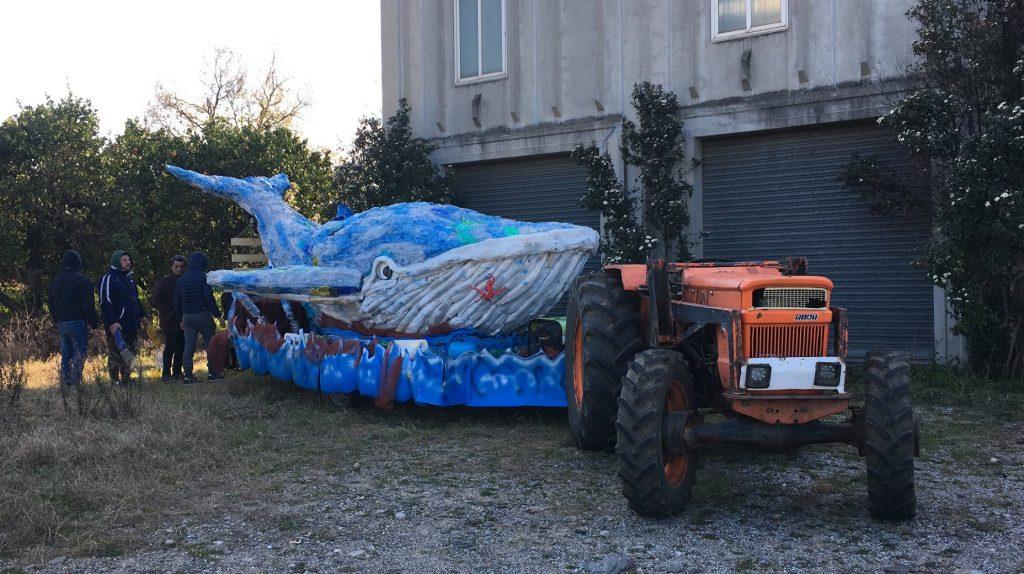 costa nostra - carro allegorico realizzato con materiale riciclato
