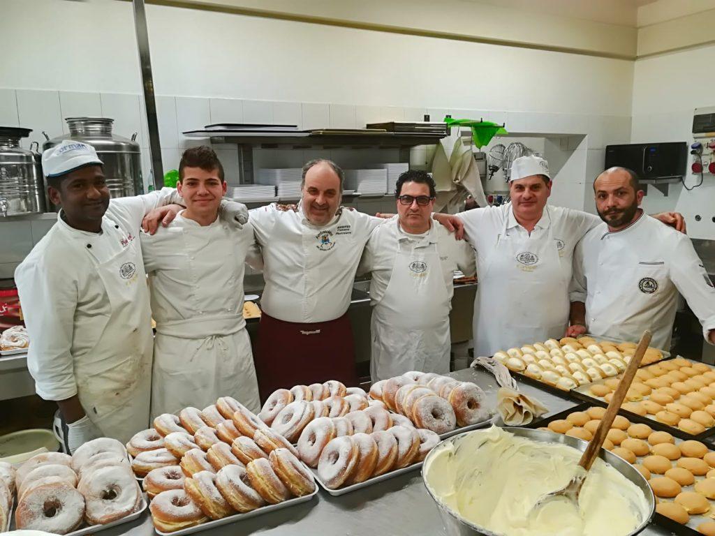 Francesco Mastroianni con i suoi collaboratori