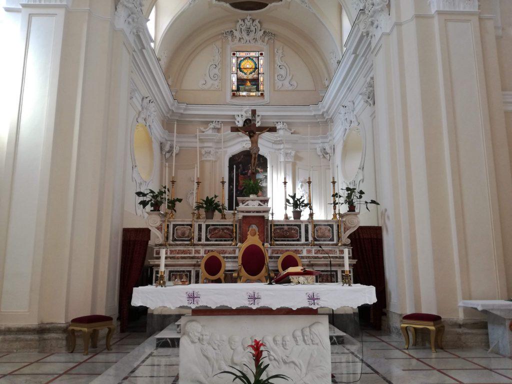 La Zona Del Presbiterio Della chiesa Matrice