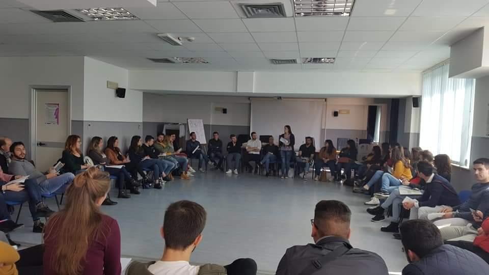 servizio civile i volontari durante una giornata di formazione