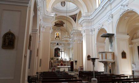 Visione Dell'interno Della Chiesa Matrice