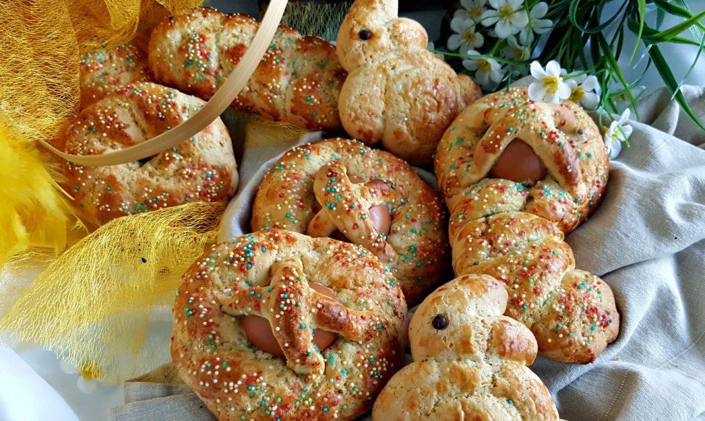 Dolci di Pasqua cuzzupe decorate