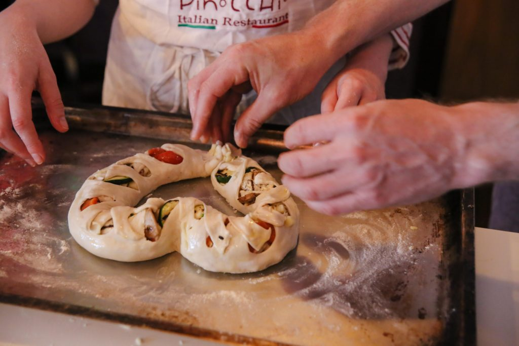 Scuola di cucina - Focaccia preparata dai corsisti