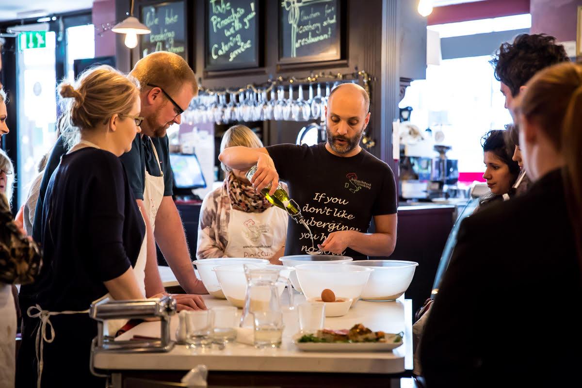 Una Lezione Nella Scuola Di Cucina A Dublino