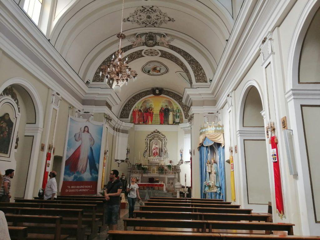 Impressioni Mobili visita ad una chiesa antica