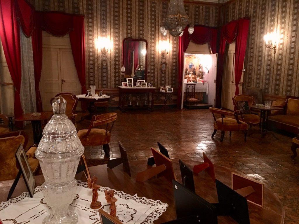 il salone di palazzo dippolito a lamezia