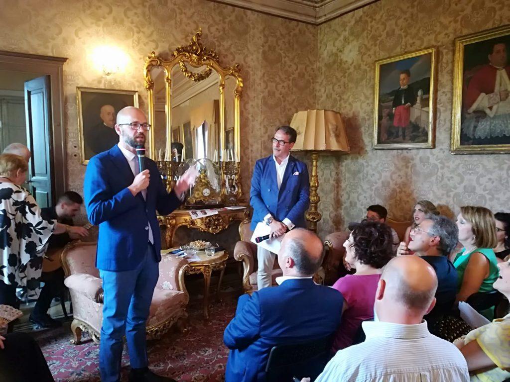 Incontro Con Antonio Cerasa a palazzo saladini