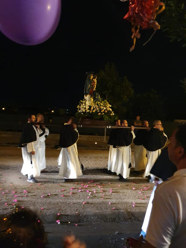Processione Aux Flambeaux