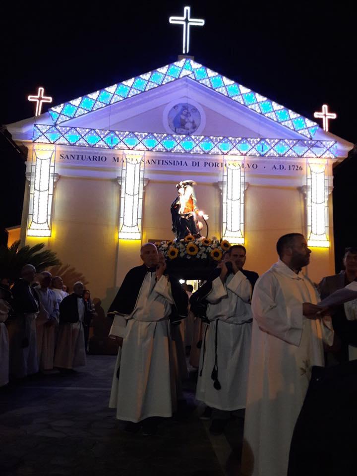 Processione Statua della Madonna Di Porto Salvo
