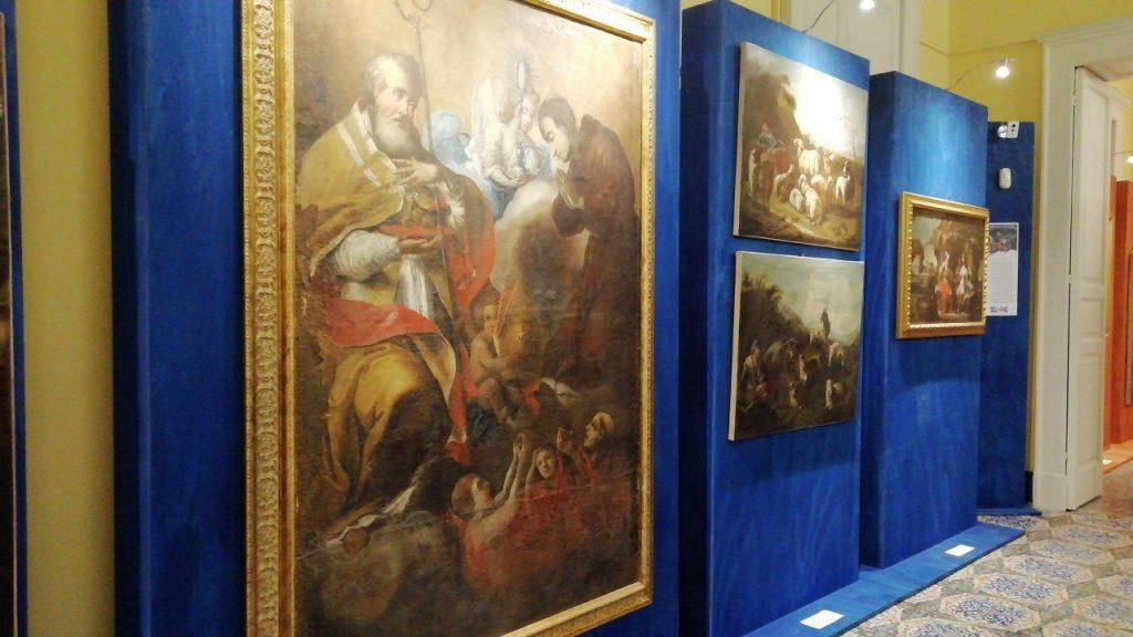 Alcune opere di Colelli esposte a palazzo de medici a lamezia