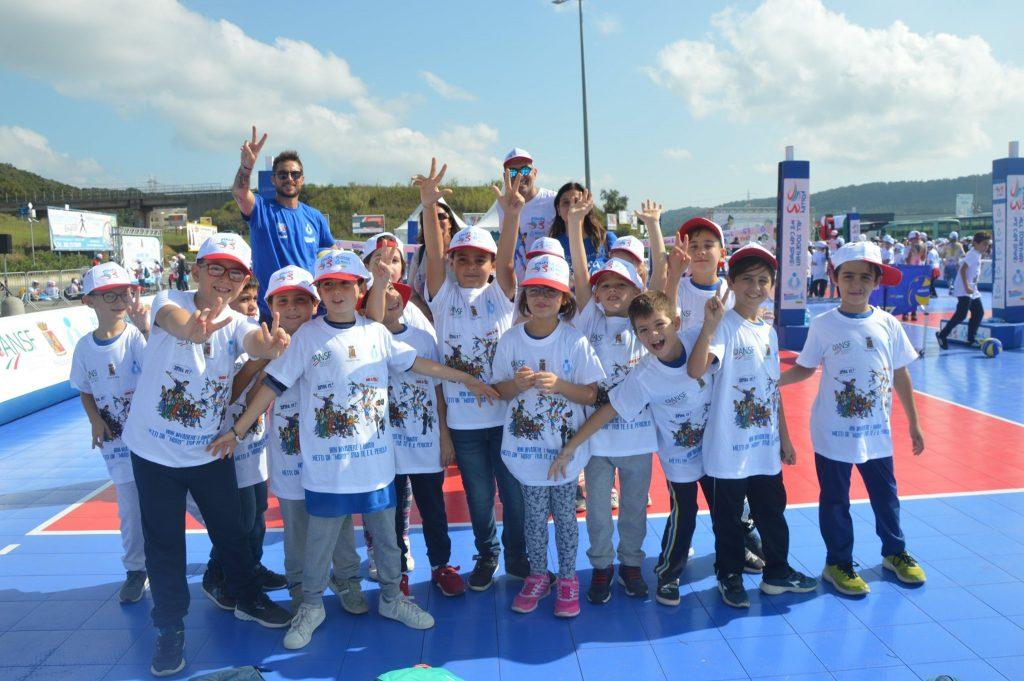 Gioca Volley con i campioni e i bambini delle scuole lametine
