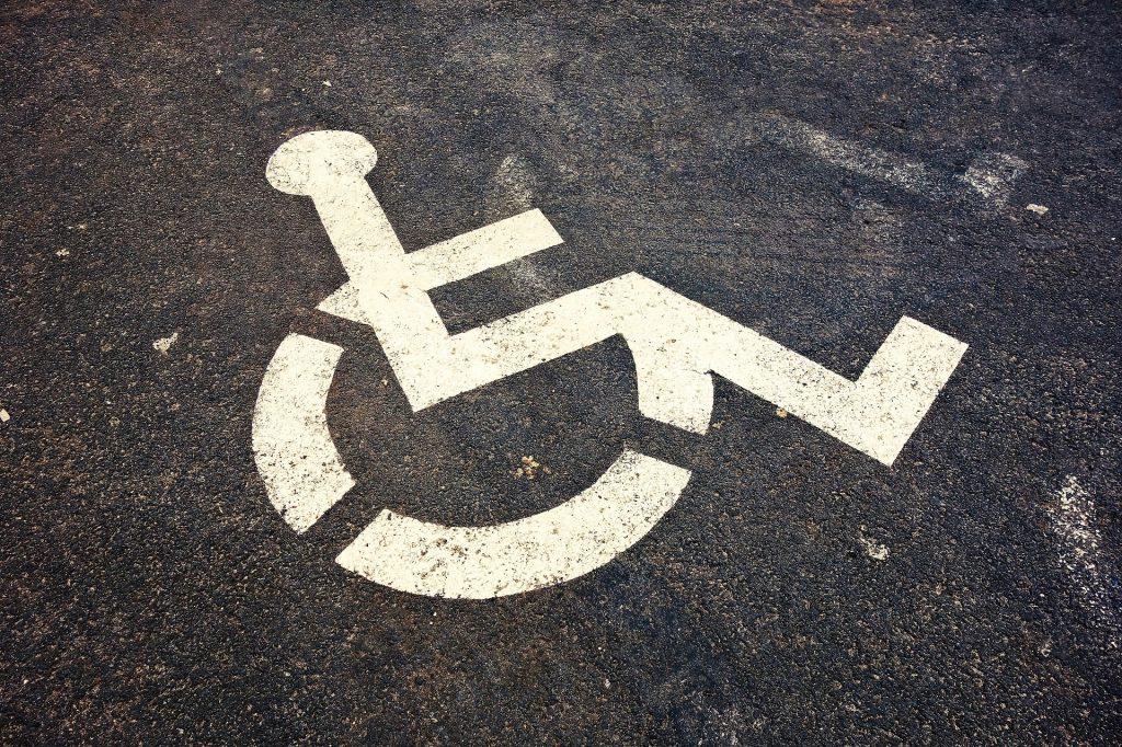il logo ufficiale del parcheggio per disabili