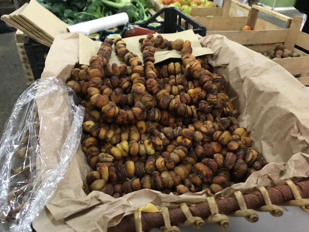 Turduni venduti al mercato coperto