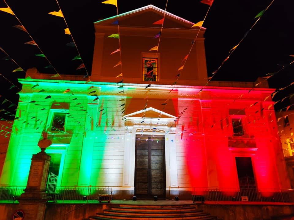 La Matrice Illuminata Con I Colori Della Bandiera Italiana Per San Francesco