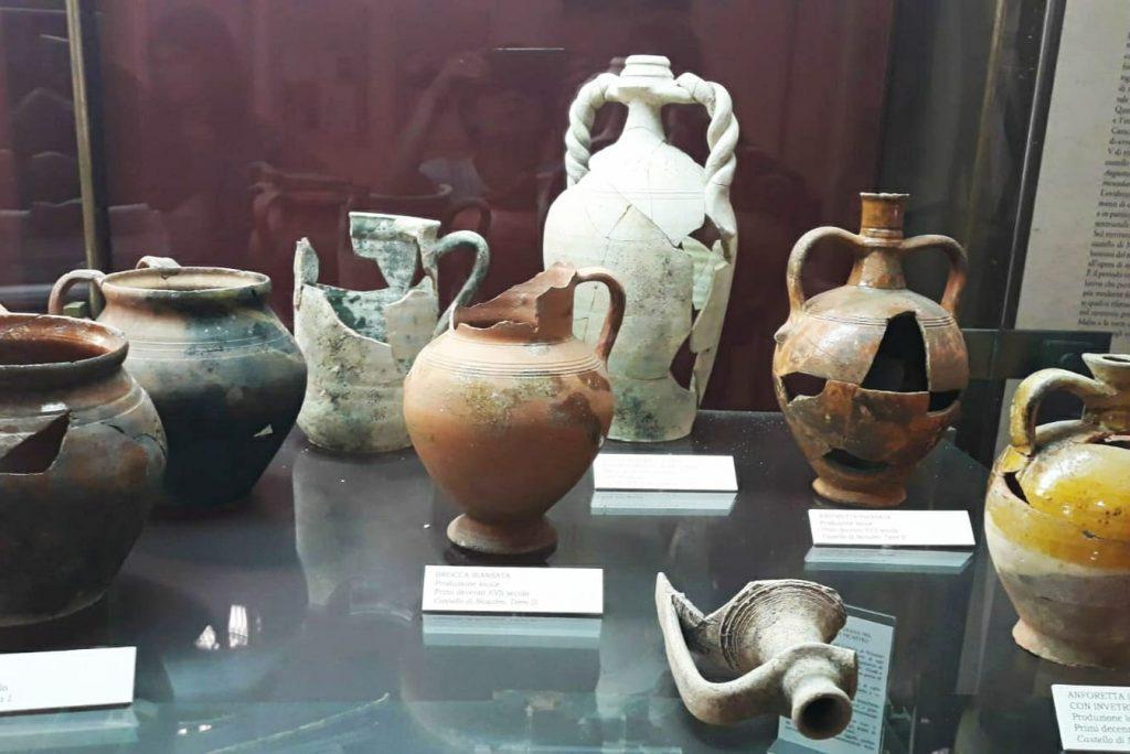 Vasi Antichi Conservati Nel Museo Archeologico