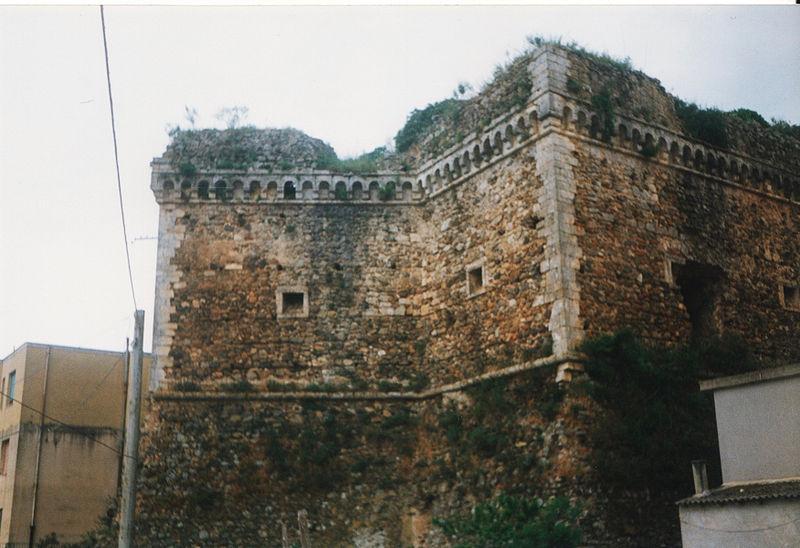 Il Castello Di Maida