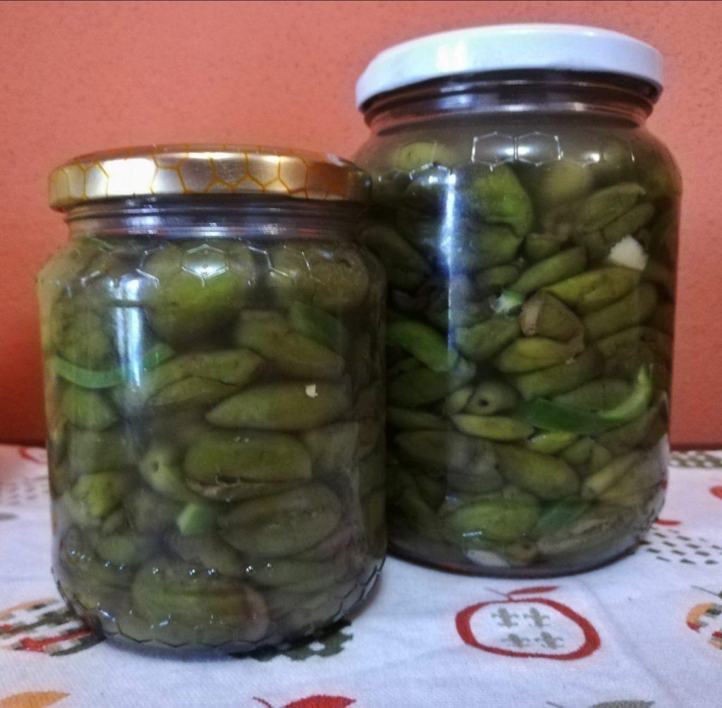 Vasetti Di Olive per le tavole lametine