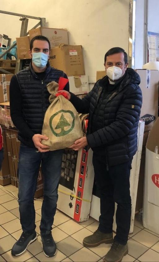 """Caritas Despar consegna """"Sacchi della Solidarietà"""""""