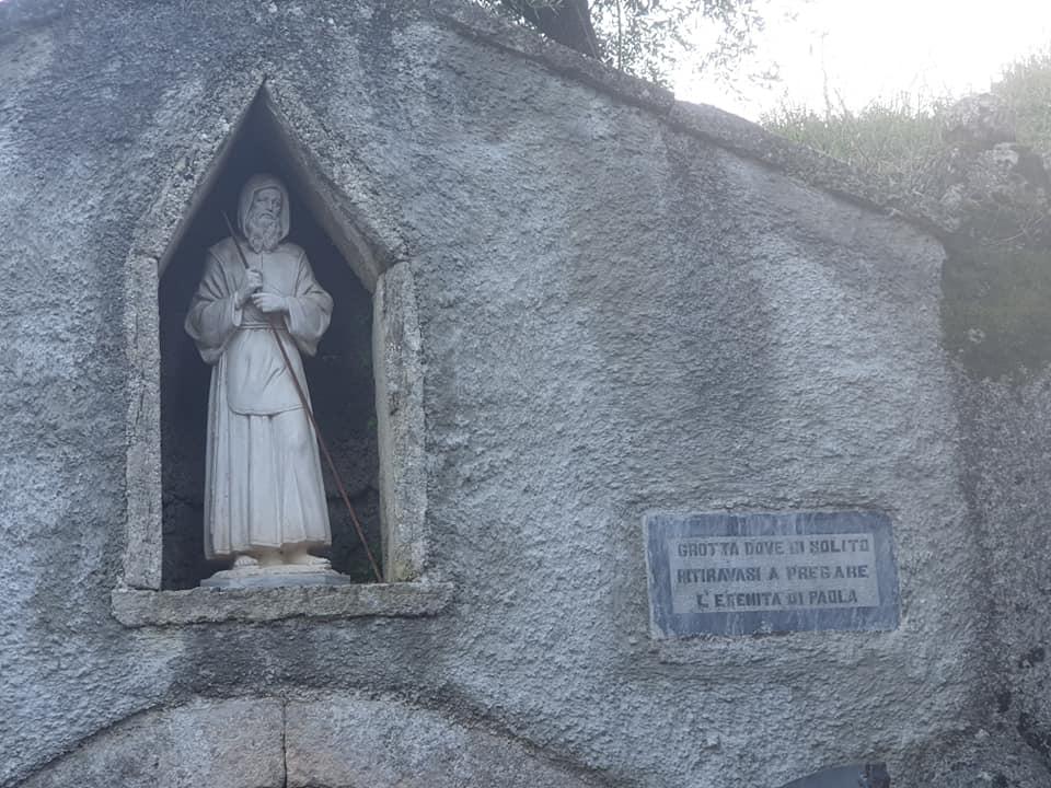 La Grotta Di San Francesco A Paterno N