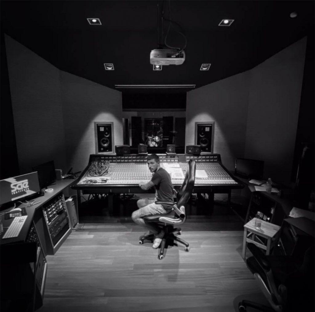 Dissocial In Studio