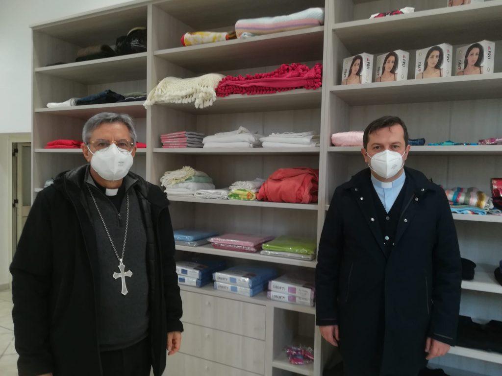 Mons. Schillaci E Don Stanizzo Allinterno Del Centro Docce