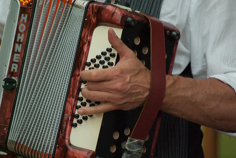 Fisarmonica musica tradizionale