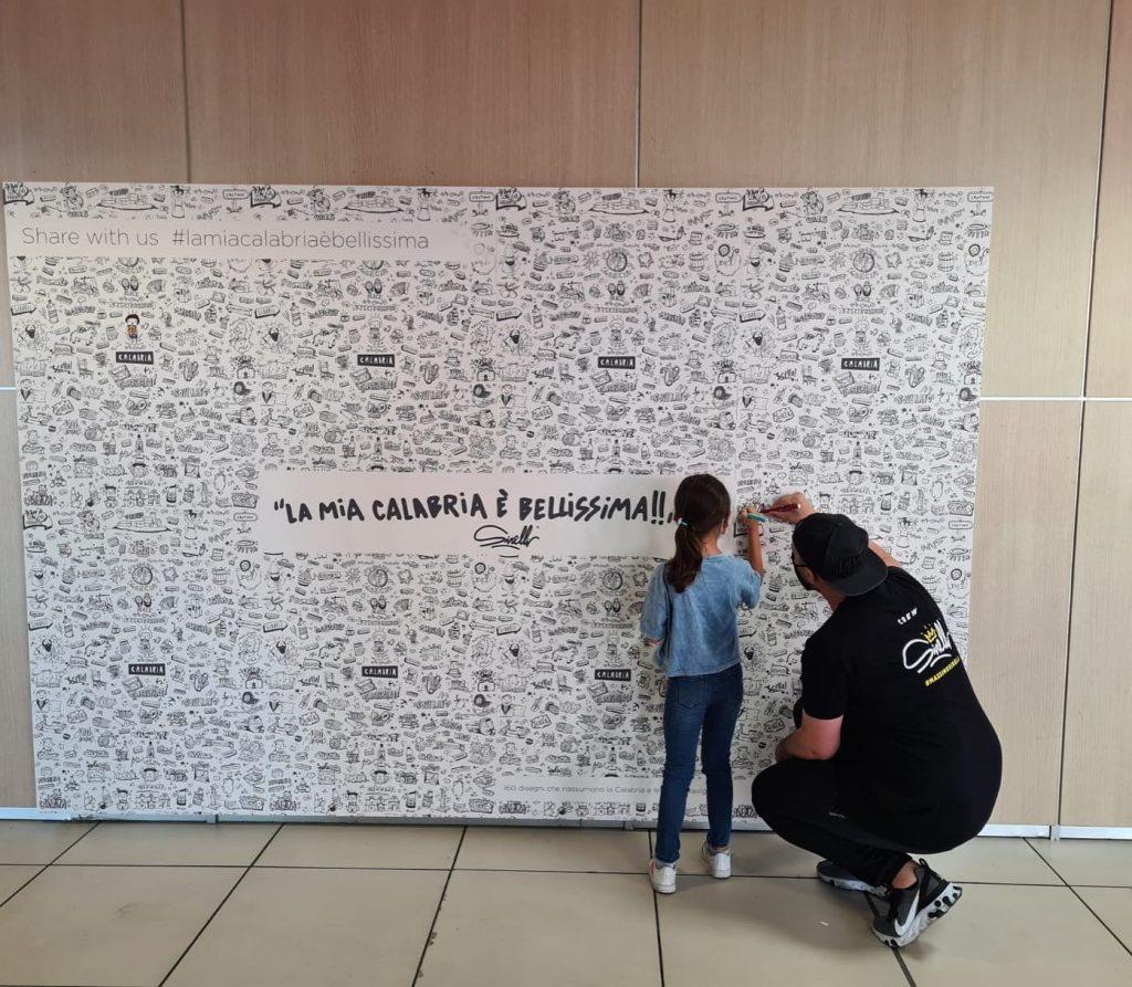 Artista E Bimba Mostra Aeroporto