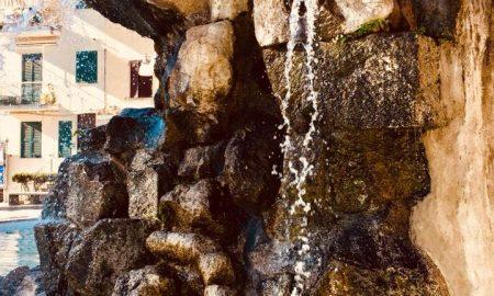 Fontana Scogli