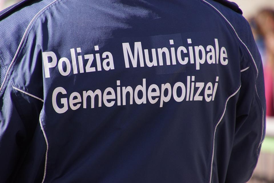 il comune di latina assume - Vigili urbani al lavoro