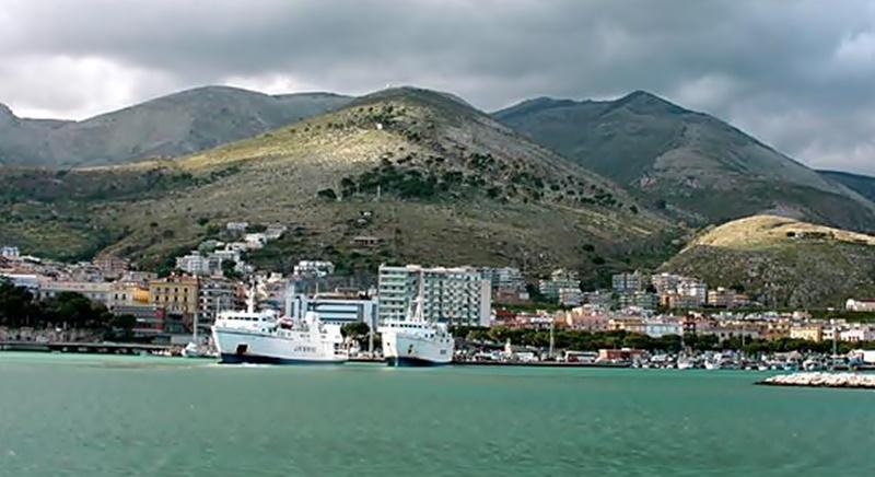 Annabella Sciorra - Veduta Sul Mare di Formia