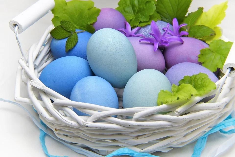 Fare la Colomba di Pasqua a casa - uova colorate di Pasqua