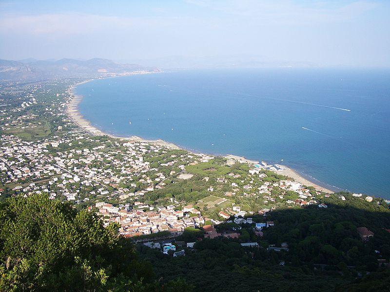 Anna Magnani al Circeo - San Felice Circeo e la veduta