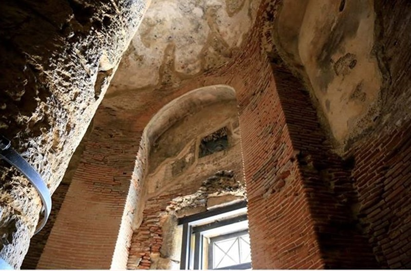 La tomba di Cicerone - La Tomba Di Cicerone Dall'interno