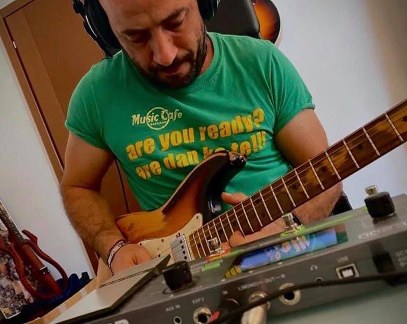 piano rock - uno dei componenti della band