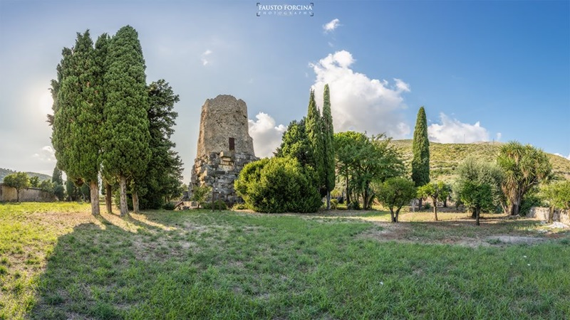 la tomba di Cicerone - una veduta panoramica della tomba