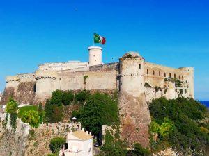 il castello angioino aragonese di Gaeta - Una Delle Venti Perle D'italia 1