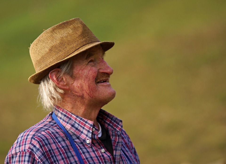 Gemellaggio Latina Adria - Contadino Anziano che sorride