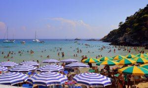 Ricette veloci per ferragosto - Ombrelloni in spiaggia