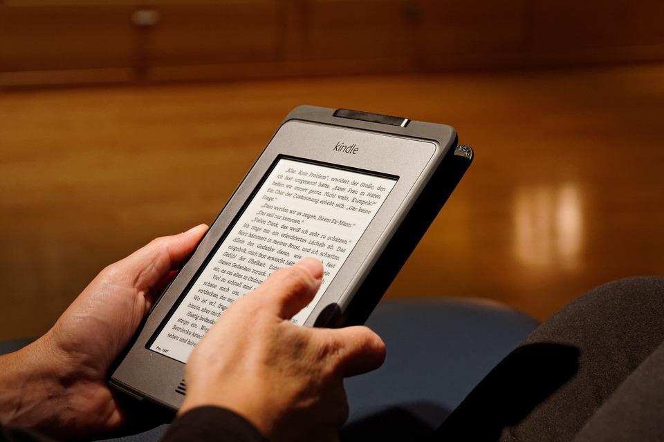 Biblioteca digitale -  Biblioteca Digitale consultata con un kindle