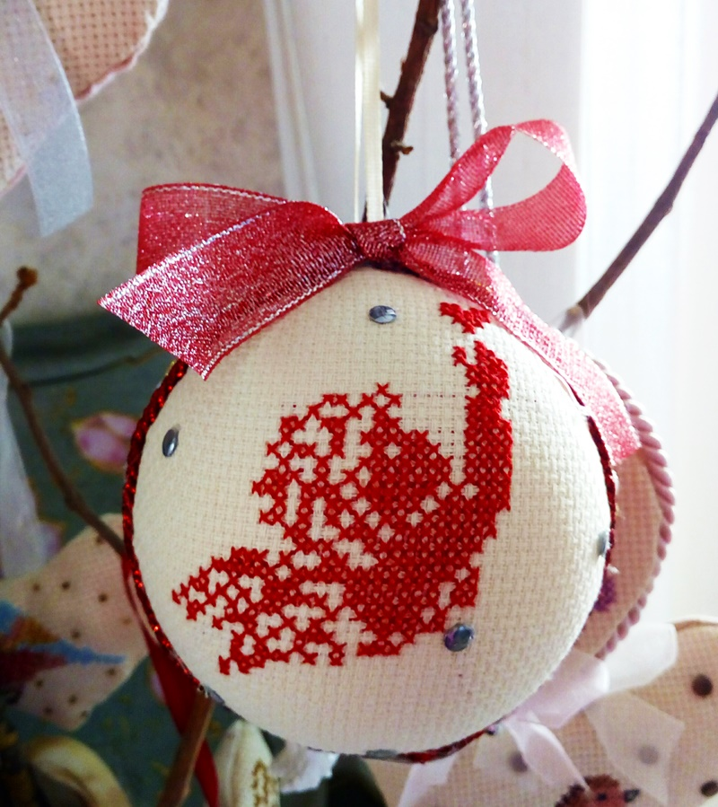 fiocco rosso - pallina di Natale