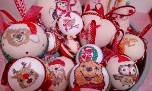 Tutorial per palline natalizie - raccolta di decorazioni fatte a mano