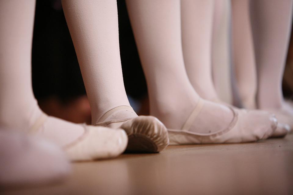 Dance Lab e Anfiteatro Academy - gambe delle Ballerine