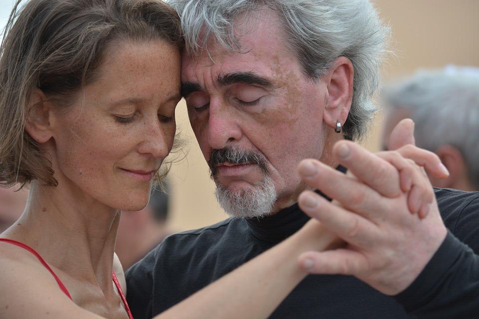 Dance Lab e Anfiteatro Academy - artisti intenti nel Tango