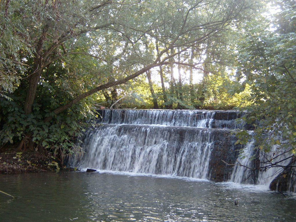 Fiumi carsici e grotte pontine - Amaseno in una cascata